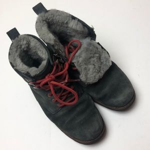 UGGS Lace up boots